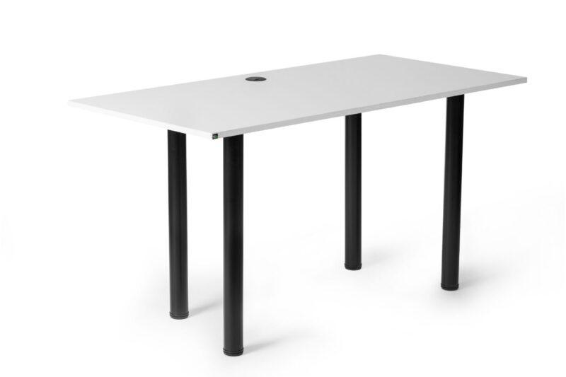 biurko gamingowe z przepustem